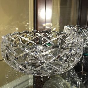 Cut glass crystal bowl with star